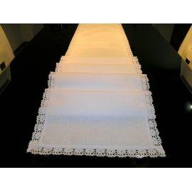 Behúň na stôl biely